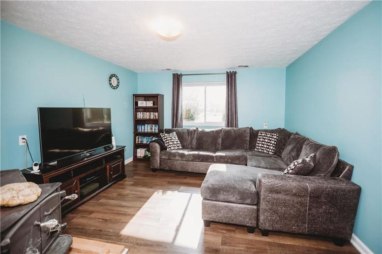 215 FENSTER Drive Indianapolis, IN 46234 | MLS 21658204 | photo 19