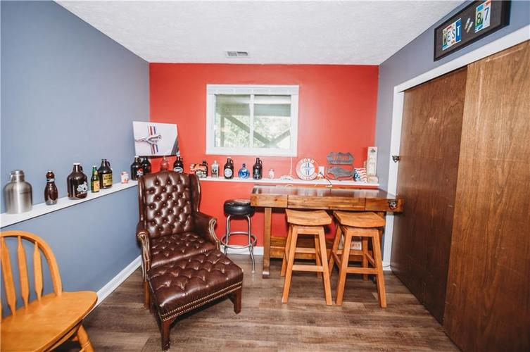 215 FENSTER Drive Indianapolis, IN 46234 | MLS 21658204 | photo 21
