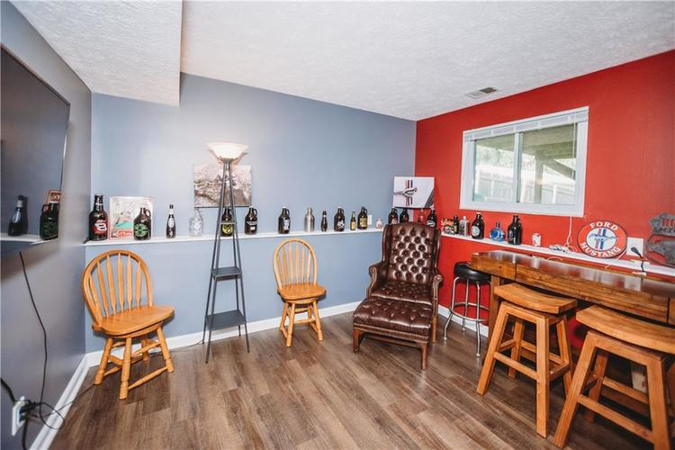 215 FENSTER Drive Indianapolis, IN 46234 | MLS 21658204 | photo 22