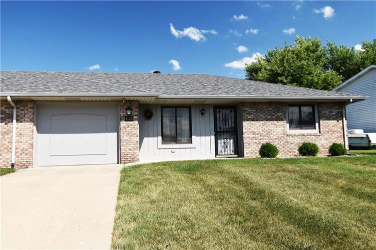 4128 Roundhill Drive Anderson, IN 46013 | MLS 21658209 | photo 1