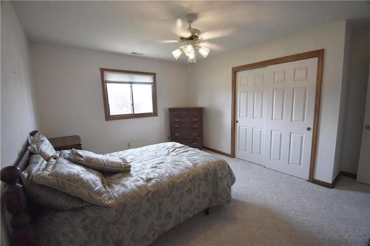 4128 Roundhill Drive Anderson, IN 46013 | MLS 21658209 | photo 15