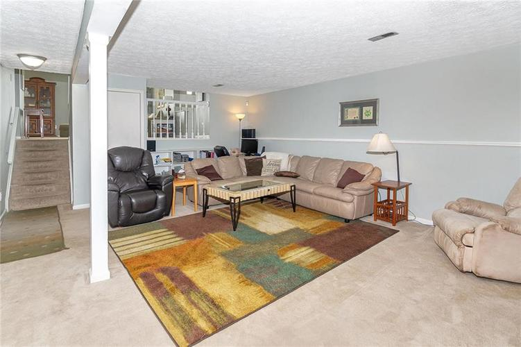 8015 CARDINAL Cove E Indianapolis, IN 46256 | MLS 21658225 | photo 15