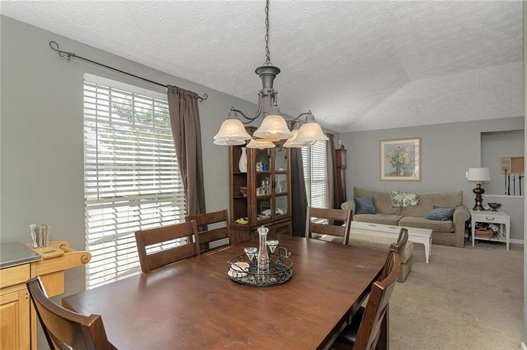 8015 CARDINAL Cove E Indianapolis, IN 46256 | MLS 21658225 | photo 5