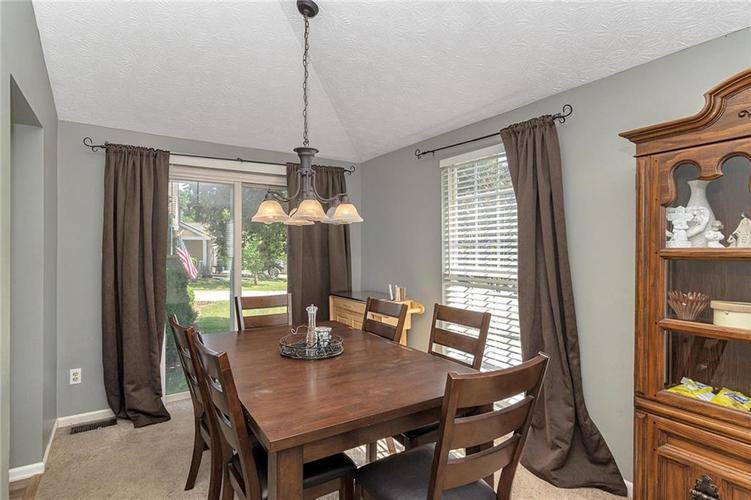 8015 CARDINAL Cove E Indianapolis, IN 46256 | MLS 21658225 | photo 6