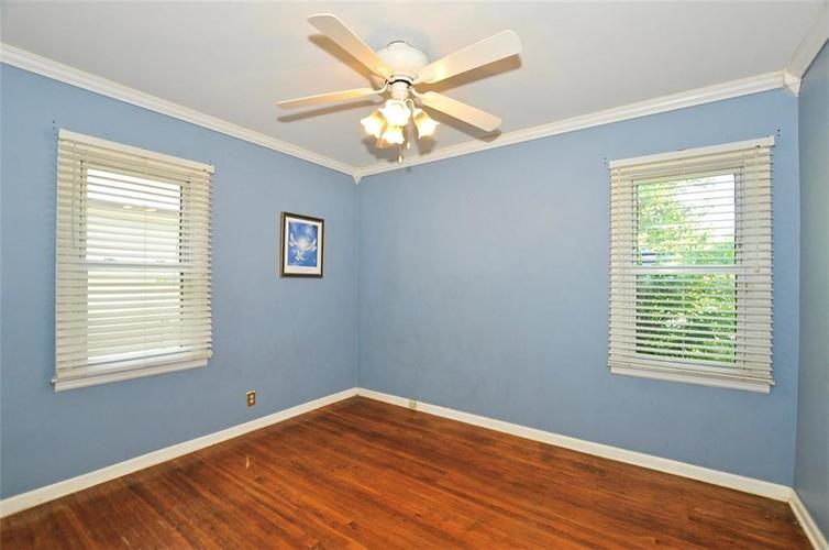 4750 E 16th Street Indianapolis, IN 46201   MLS 21658257   photo 3