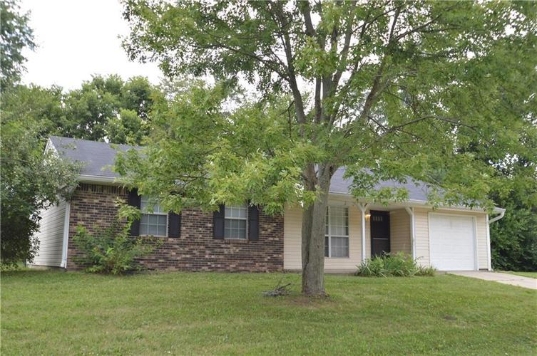 7722  Inverness Drive Indianapolis, IN 46237 | MLS 21658265