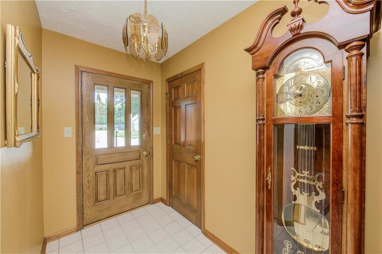 18 Spotted Owl Drive Brownsburg, IN 46112 | MLS 21658286 | photo 2