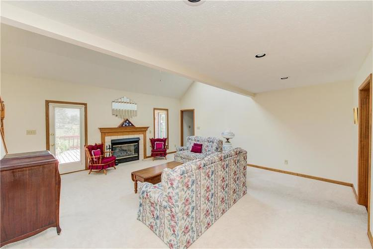 18 Spotted Owl Drive Brownsburg, IN 46112 | MLS 21658286 | photo 3