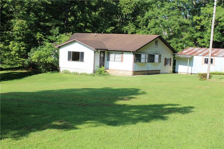 6830 State Road 39 Martinsville IN 46151 | MLS 21658295 | photo 1