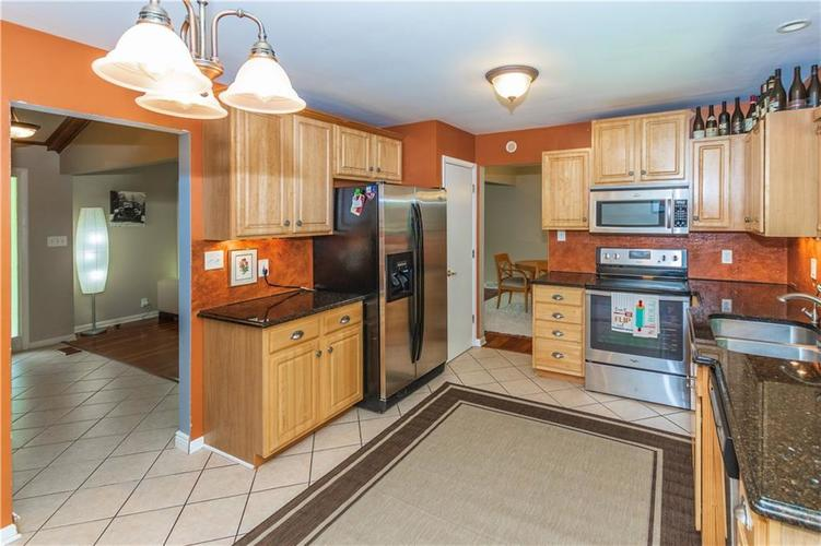 9006 MCILVAIN Drive Indianapolis, IN 46256   MLS 21658310   photo 12