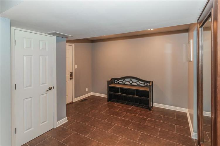 9006 MCILVAIN Drive Indianapolis, IN 46256   MLS 21658310   photo 19