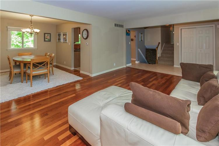 9006 MCILVAIN Drive Indianapolis, IN 46256   MLS 21658310   photo 8