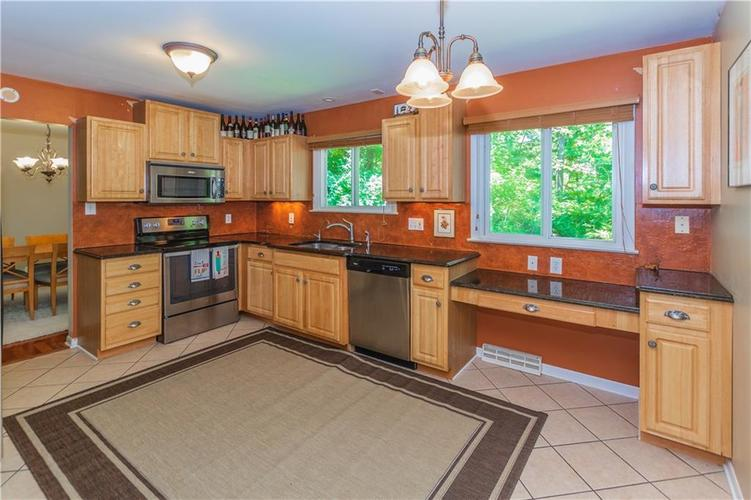 9006 MCILVAIN Drive Indianapolis, IN 46256   MLS 21658310   photo 9