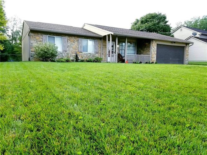 8231 Old Farm Road Indianapolis, IN 46256 | MLS 21658338 | photo 1