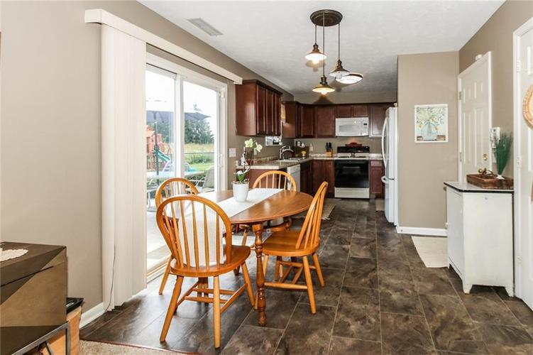 6915 Governors Point Boulevard Indianapolis, IN 46217 | MLS 21658384 | photo 10