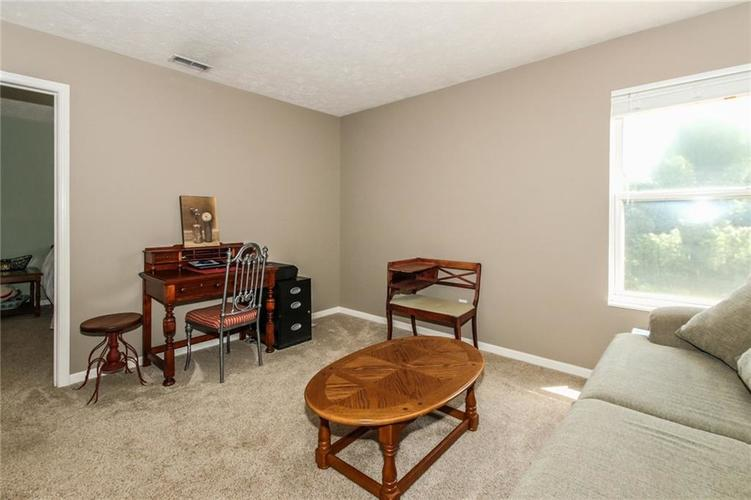 6915 Governors Point Boulevard Indianapolis, IN 46217 | MLS 21658384 | photo 13