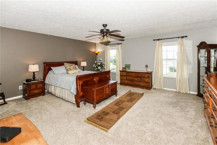 6915 Governors Point Boulevard Indianapolis, IN 46217 | MLS 21658384 | photo 16