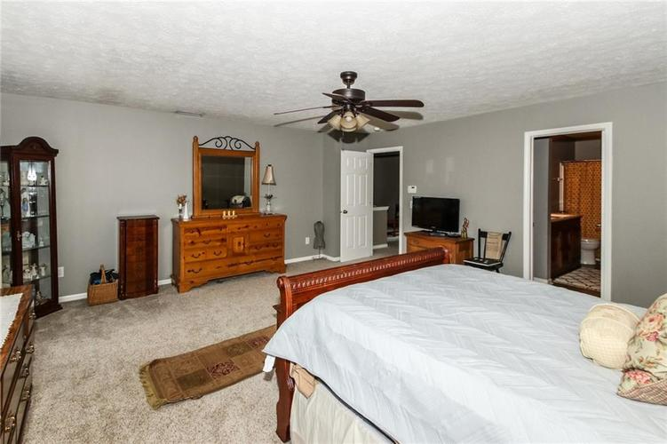 6915 Governors Point Boulevard Indianapolis, IN 46217 | MLS 21658384 | photo 18