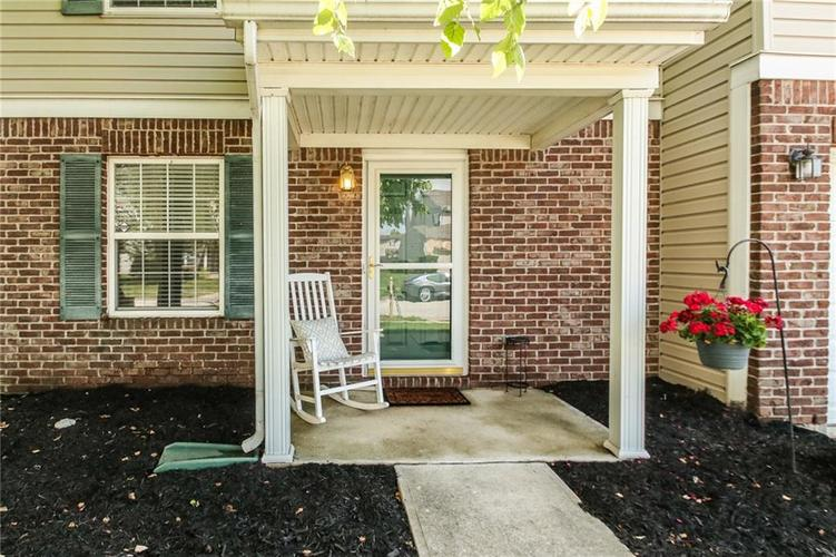 6915 Governors Point Boulevard Indianapolis, IN 46217 | MLS 21658384 | photo 2