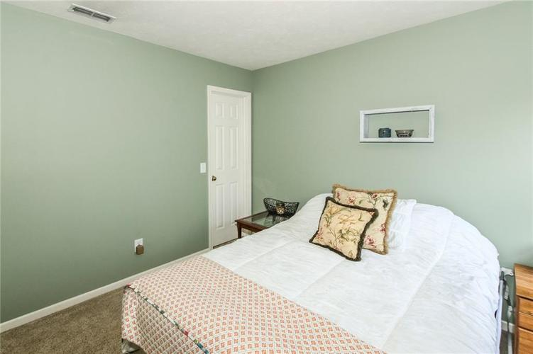 6915 Governors Point Boulevard Indianapolis, IN 46217 | MLS 21658384 | photo 22