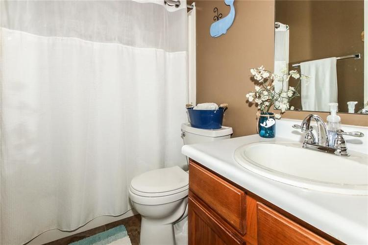 6915 Governors Point Boulevard Indianapolis, IN 46217 | MLS 21658384 | photo 25