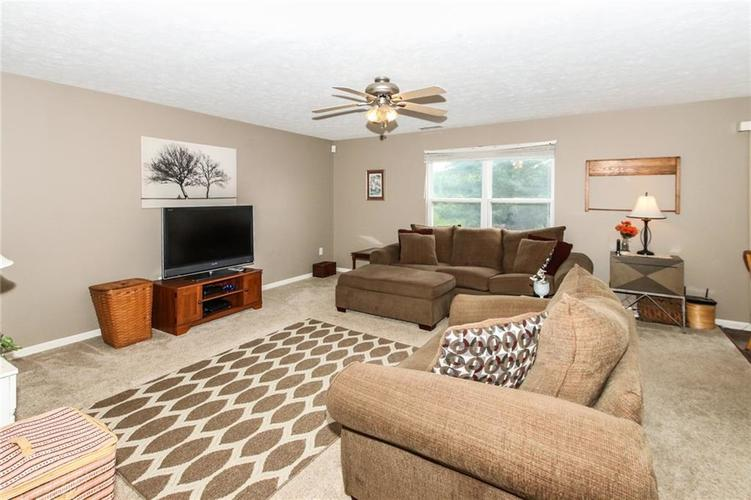 6915 Governors Point Boulevard Indianapolis, IN 46217 | MLS 21658384 | photo 6