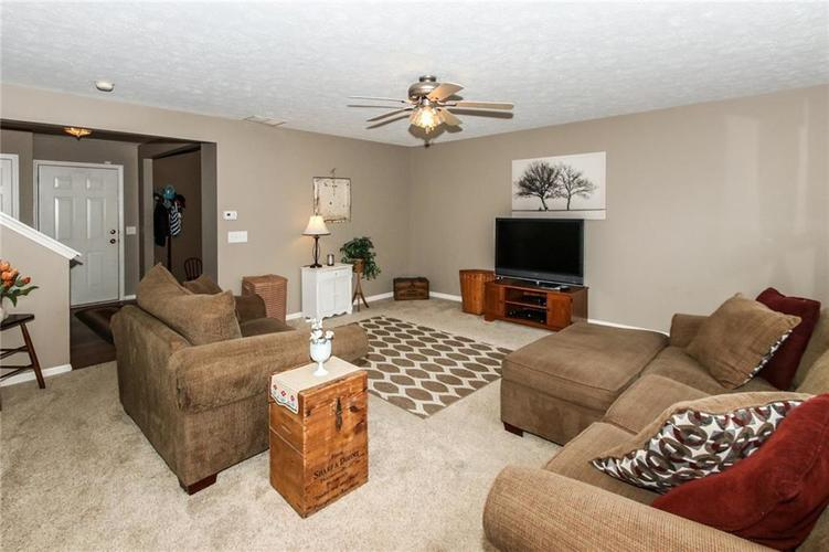 6915 Governors Point Boulevard Indianapolis, IN 46217 | MLS 21658384 | photo 7