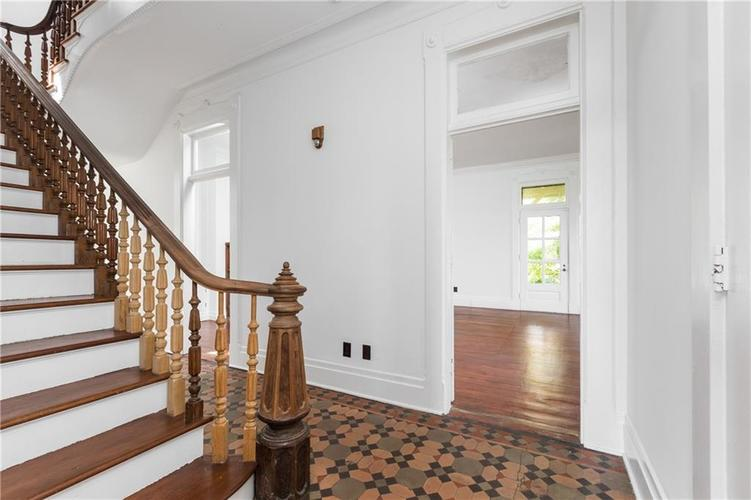 5010 W Southport Road Indianapolis, IN 46217 | MLS 21658490 | photo 10
