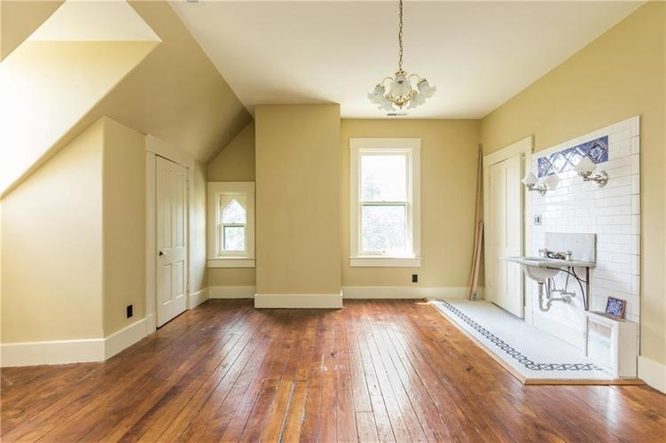 5010 W Southport Road Indianapolis, IN 46217 | MLS 21658490 | photo 27