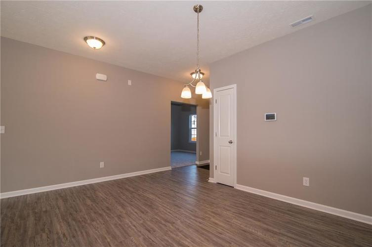 8424 Avery Park Drive Indianapolis, IN 46237 | MLS 21658517 | photo 11
