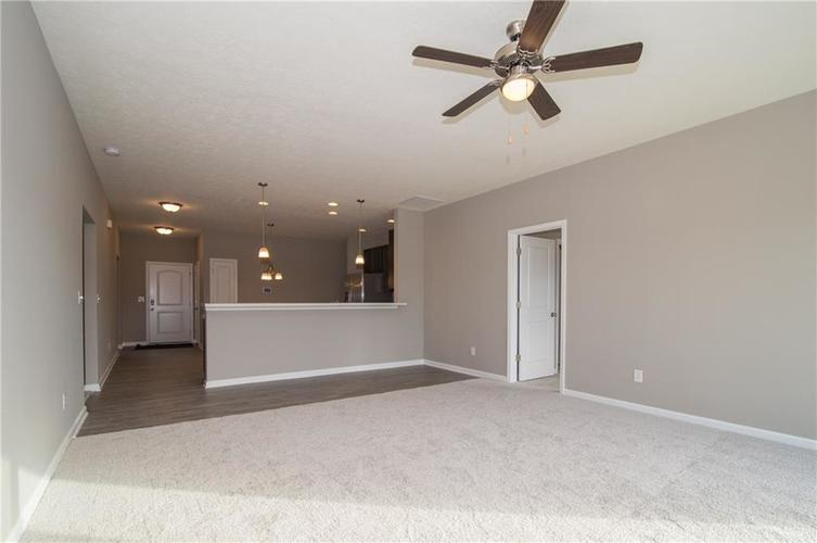 8424 Avery Park Drive Indianapolis, IN 46237 | MLS 21658517 | photo 13