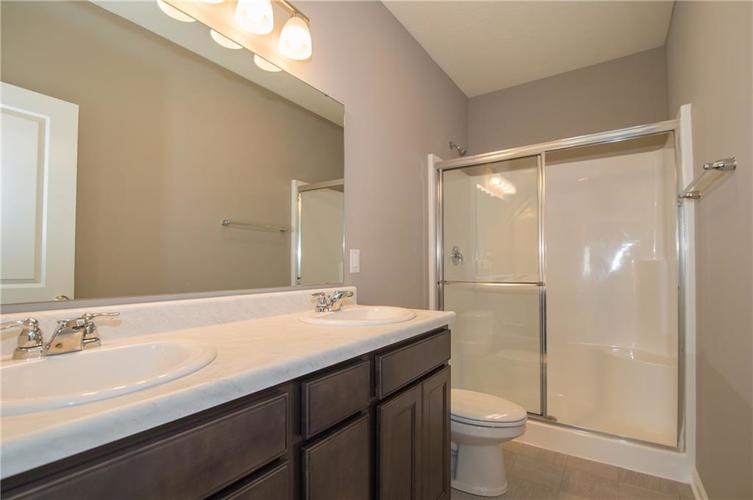 8424 Avery Park Drive Indianapolis, IN 46237 | MLS 21658517 | photo 20