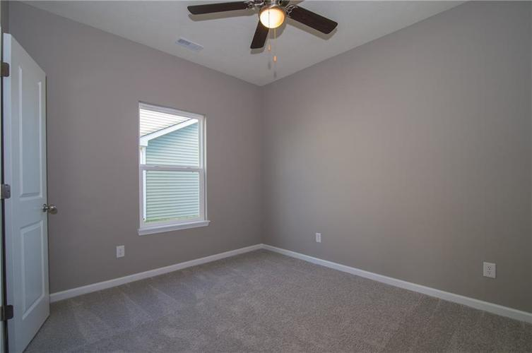 8424 Avery Park Drive Indianapolis, IN 46237 | MLS 21658517 | photo 21