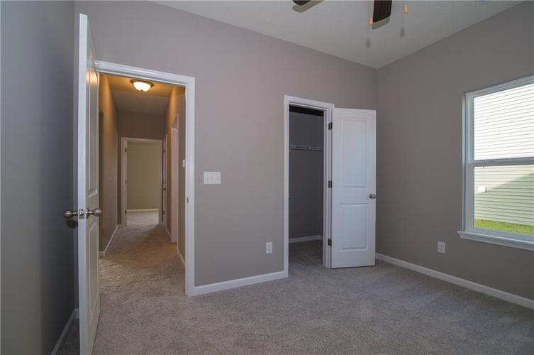 8424 Avery Park Drive Indianapolis, IN 46237 | MLS 21658517 | photo 22