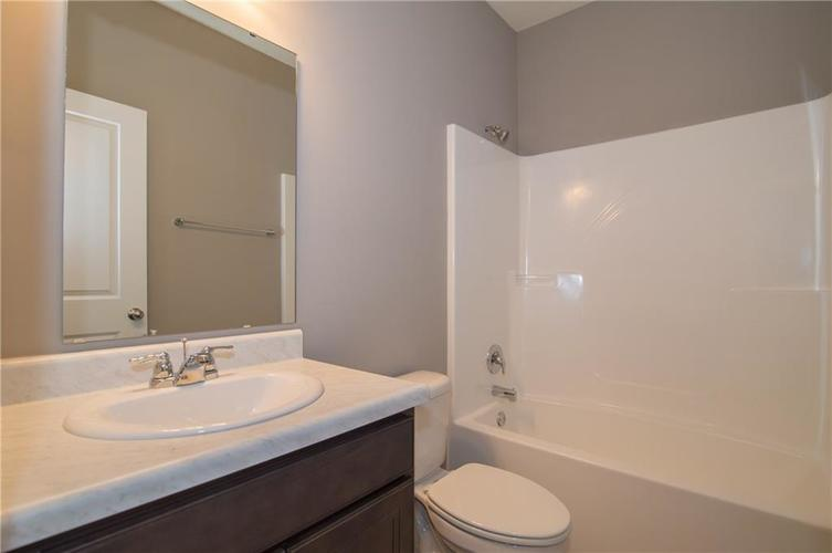 8424 Avery Park Drive Indianapolis, IN 46237 | MLS 21658517 | photo 23