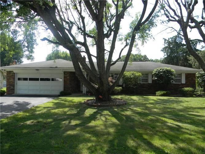 1218 Terry Drive Plainfield, IN 46168 | MLS 21658580 | photo 1