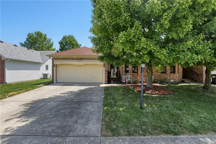 1085 Mikes Way Greenwood, IN 46143 | MLS 21658594 | photo 1