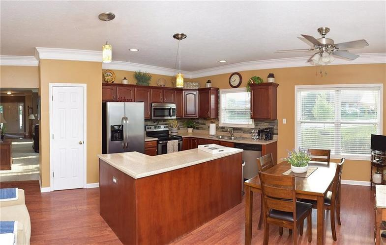 8509 Watertown Drive Indianapolis, IN 46216   MLS 21658644   photo 10