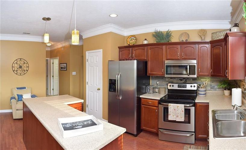 8509 Watertown Drive Indianapolis, IN 46216   MLS 21658644   photo 11