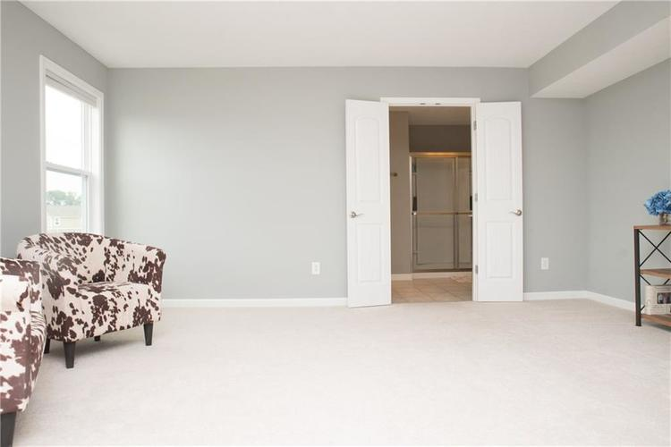 7716 Eagle Point Circle Zionsville, IN 46077 | MLS 21658659 | photo 23