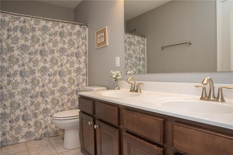 7716 Eagle Point Circle Zionsville, IN 46077 | MLS 21658659 | photo 29