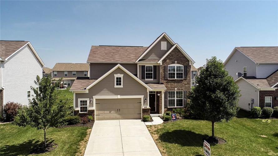 5165 Montevideo Drive Plainfield, IN 46168 | MLS 21658669 | photo 1