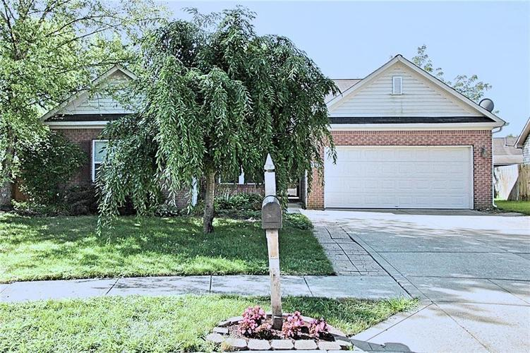 8135 Red Barn Court Indianapolis IN 46239 | MLS 21658733 | photo 1