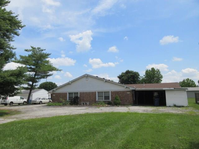 2015  Country Club Road Indianapolis, IN 46234 | MLS 21658772