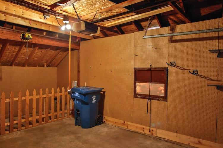 6275 Crittenden Avenue Indianapolis, IN 46220 | MLS 21658789 | photo 20
