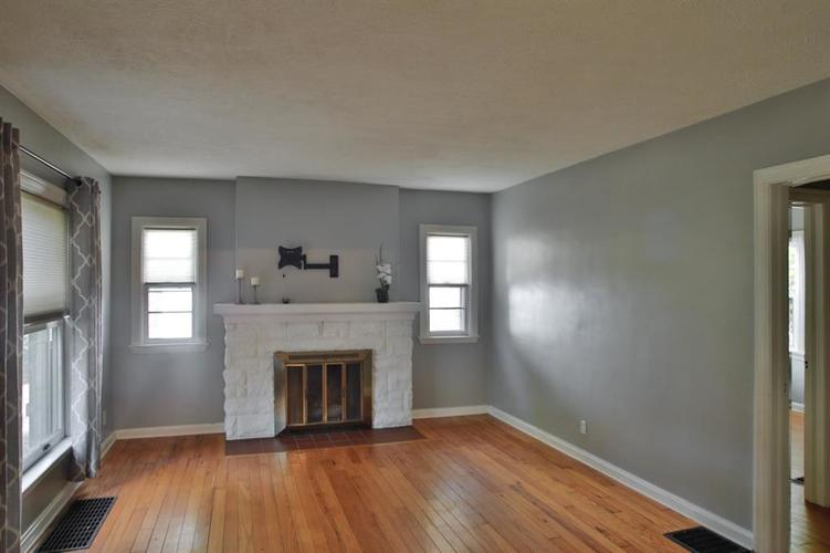 6275 Crittenden Avenue Indianapolis, IN 46220 | MLS 21658789 | photo 7