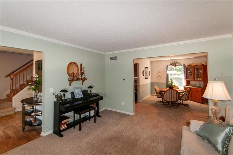 8379 Weaver Woods Place Fishers, IN 46038 | MLS 21658798 | photo 2