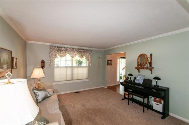 8379 Weaver Woods Place Fishers, IN 46038 | MLS 21658798 | photo 8