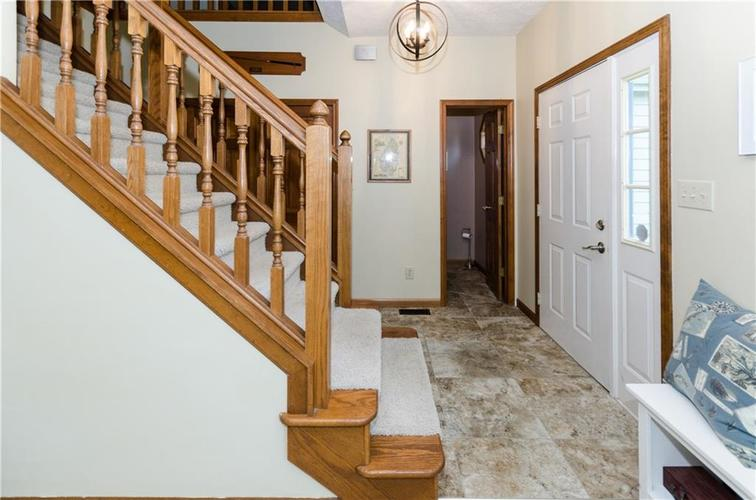 11047 Echo Trail Indianapolis, IN 46236 | MLS 21658817 | photo 2