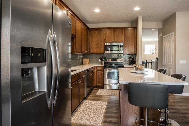 9522 Park Meridian Drive Indianapolis, IN 46260 | MLS 21658847 | photo 12